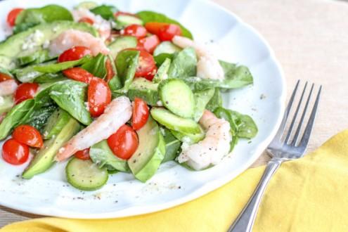 Light Salad with spinach, avocados and shrimp.