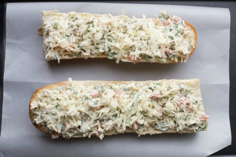 How to make chicken artichoke spinach boats. How to stuff the bread with chicken, artichoke and spinach mixture.