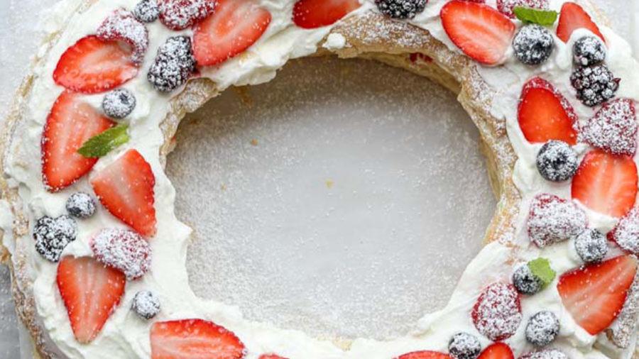 Puff Pastry berries and cream wreath recipe.