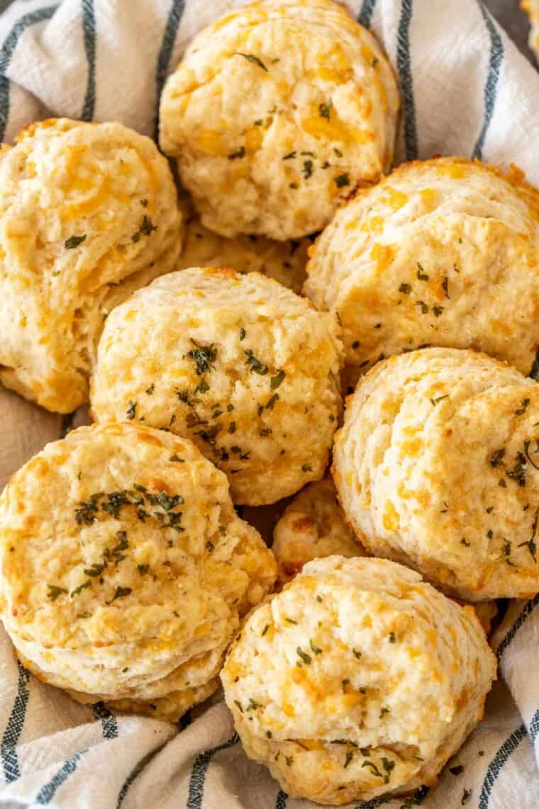 Red Lobster cheddar biscuits in a bowl.